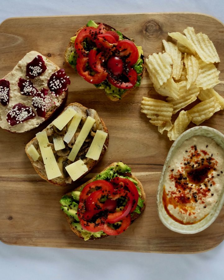 sandwich with hummus and avocado spread