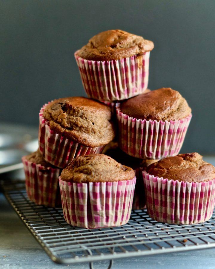 healthy-chocolate-chip-banana-muffins-homemade